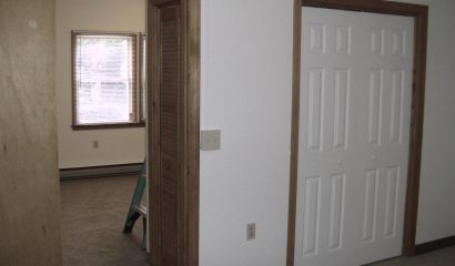 461 Williams Street Apartment H bedroom entry
