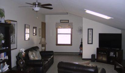 461 Williams Street Apartment K living area